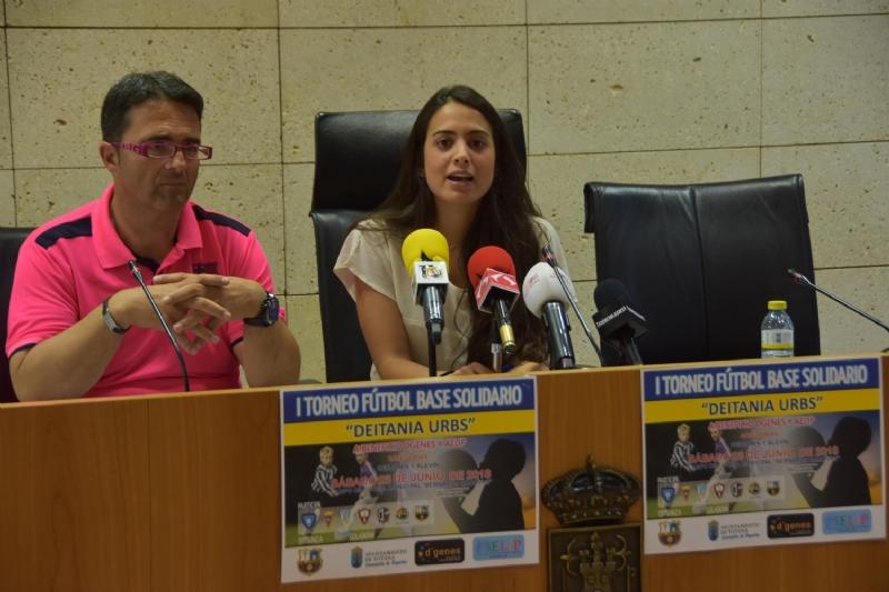 """VÍDEO. El campo municipal """"Bernardo Cánovas"""" del Paretón acogerá el próximo 23 de junio el I Torneo de Fútbol Base Solidario """"Deitania Urbs"""", a beneficio de D´Genes y AELIP"""