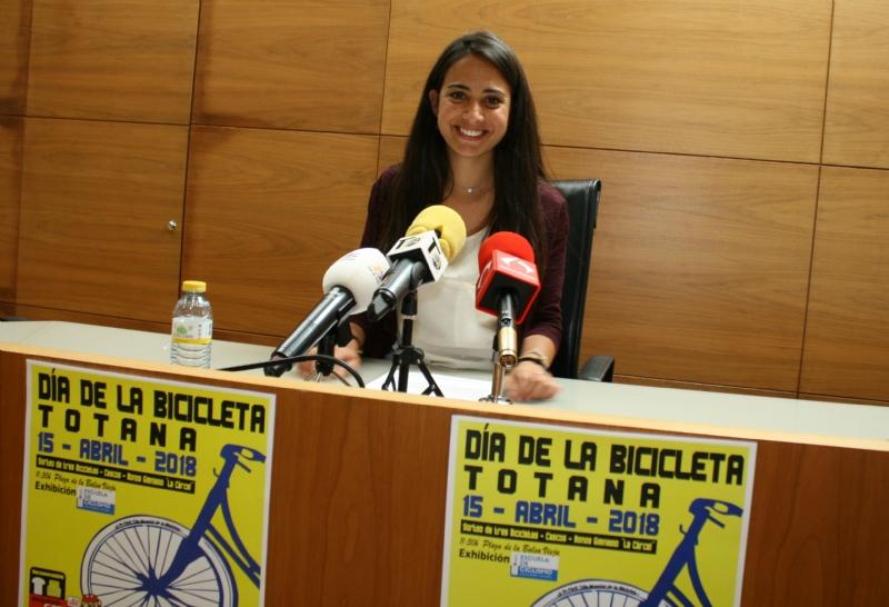 """Vídeo. El Día de la Bicicleta se celebra este domingo 15 de abril, con salida del Pabellón de Deportes """"Manolo Ibáñez"""" (10:30 horas); organizado por la Concejalía de Deportes"""