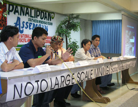 The panelist at the Panalipdan forum call for the scrapping of the Mining Act. (davaotoday.com photo by Barry Ohaylan)
