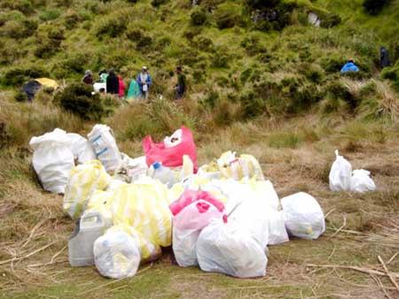 Trash collected on Mount Apo. (photo courtesy of MAFI)
