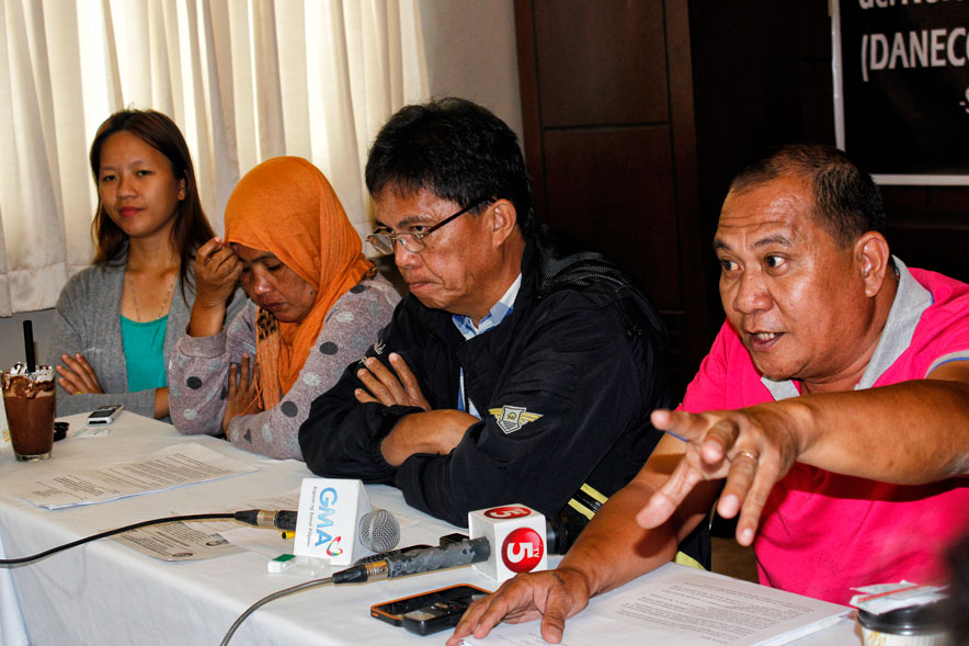 WHO'S PAYING? Rodel Arquiza (right) of Save Daneco Movement raised concerns on the cooperative's P300 million loan for expensive generator sets which he says will be passed on to consumers and cooperative members.  (davaotoday.com photo by Medel V. Hernani)