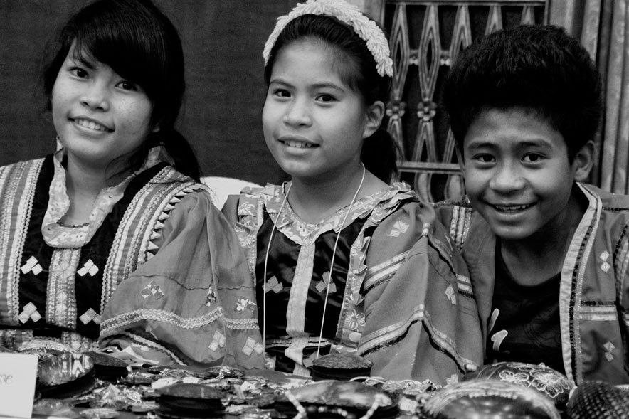 MATIGSALUG CHILDREN.The Department of Social Welfare and Development XI claims these Matigsalug children from Davao City's Baguio District attending Friday's observance of the World Indigenous Peoples Day at the Royal Mandaya Hotel are part of the IP beneficiaries who comprise 38.5% of the total 188,501 DSWD's Pantawid Pamilya recipients. (davaotoday.com photo by Medel V. Hernani)
