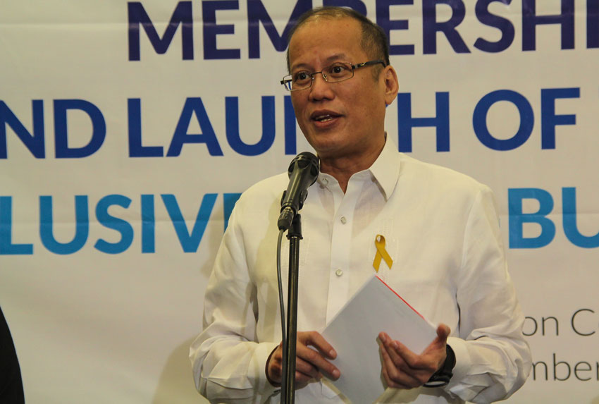 Media at the sidelines: Aquino more earnest on showbiz weddings, Manila traffic