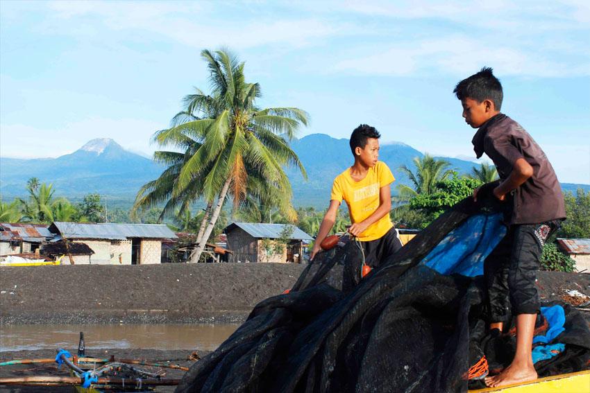 Sun, coal and a Quinocol river