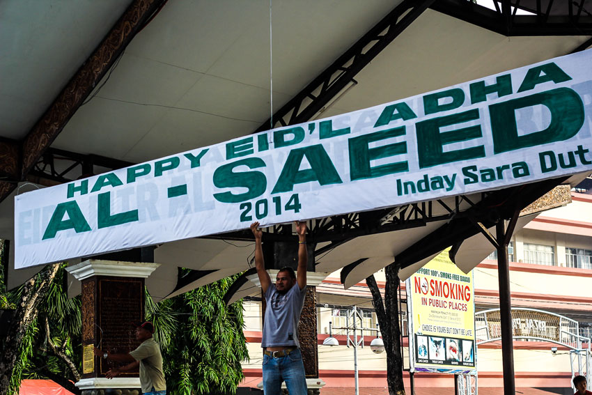 EID'L ADHA. A banner was placed at the stage of Rizal park by the employees of General Services Office under City Mayors Office. The Davao City government periodically acknowledges Muslim festivities such as the Eid'l Adha Al Saeed, or Peace of Sacrifice this October 6, 2014. (Ace R. Morandante/davaotoday.com)