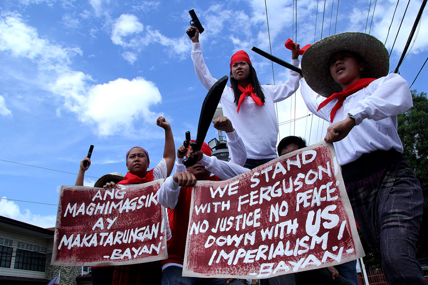 Davao City activists show solidarity to civil rights protests in the US sparked by the shooting to death of a young black man in Ferguson in St. Louis county, Missouri. Youth activists in Davao City also announce their mobilization on Sunday. (Ace R. Morandante/davaotoday.com)