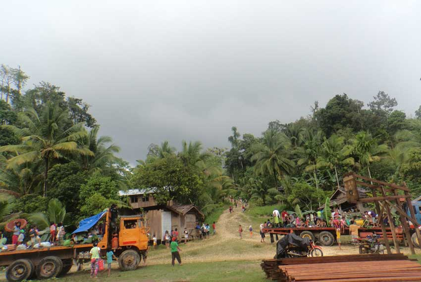 'Military supports Surigao tribal warriors,' human rights group say