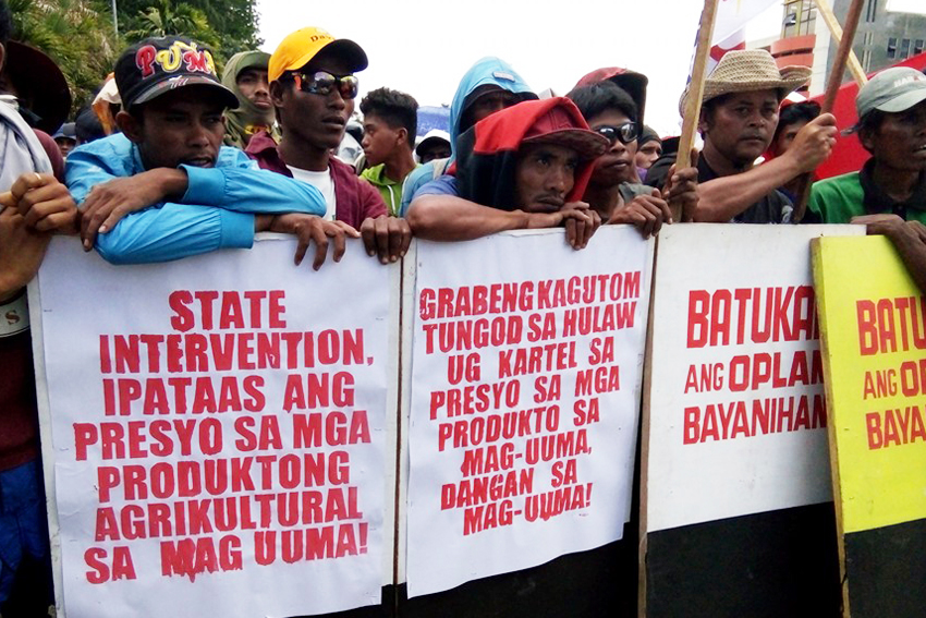 The farmers called for the intervention of the provincial government to increase the prices of their produce. (Danilda Fusilero/davaotoday.com)