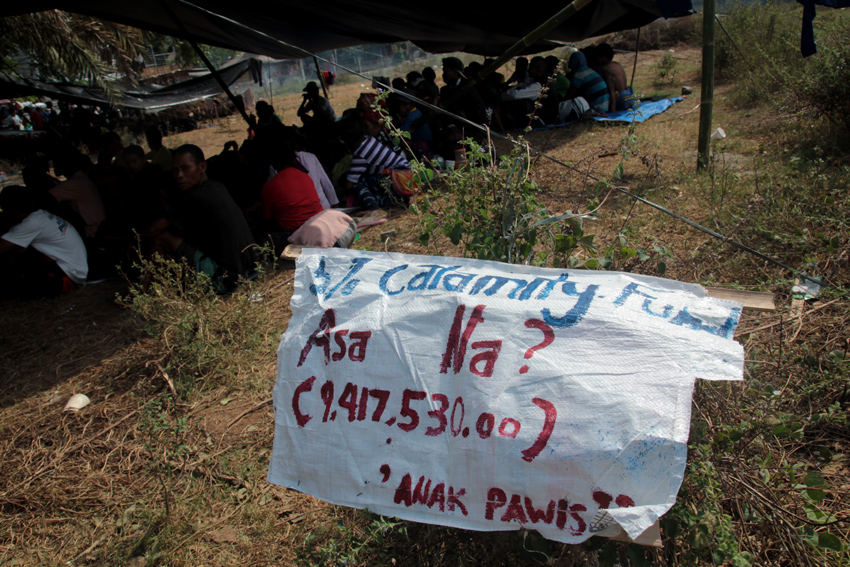 WHERE IS THE CALAMITY FUND? Farmers questions the government where is the P9,417,530,00 calamity fund for Region 12. (Ace R. Morandante/davaotoday.com)
