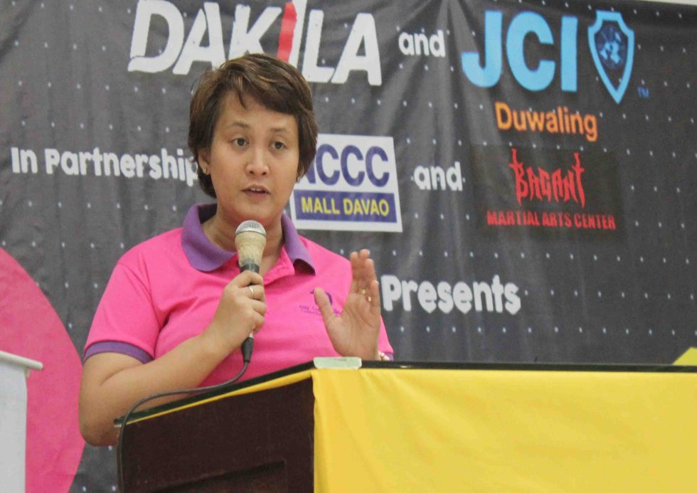 """PINAY POWER. Davao City Councilor Leah Librado-Yap lectures on violence against women during the """"Fight for your Rights"""" Seminar and Self Defense Training for Women held on Tuesday, March 29 in the city. (Medel V. Hernani/davaotoday.com)"""