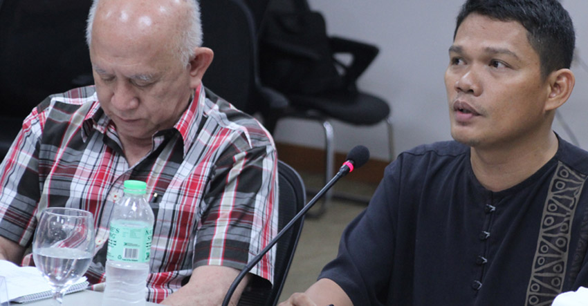Fr. Christopher Ablon (right) of the Iglesia Filipina Independiente sits with National Democratic Front spokesman Fidel Agcaoili during a press briefing in Ateneo de Davao University on Wednesday, June 8. (Ace R. Morandante/davaotoday.com)