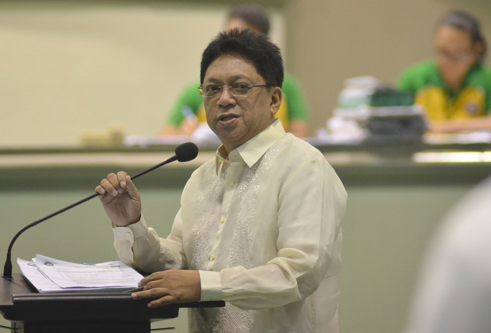 Davao City Councilor Danilo Dayanghirang blames the ongoing construction of canals and water pipe lines for the traffic congestion in the downtown streets. He has called on the Department of Public Works and Highways (DPWH) and for the  Davao City Water District to explain and fix the problem as soon as possible.(Medel V. Hernani/davaotoday.com)