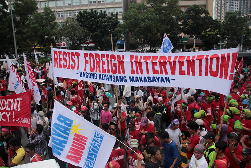 PROTEST OUTSIDE THE US EMBASSY. At least 2,000 Lumad and Moro activists hold a protest rally outside the US Embassy in Roxas Boulevard in Manila on Oct. 19.