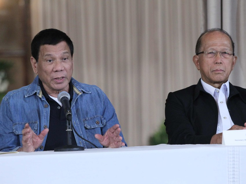 Reds tell Lorenzana: Reforms are heart of talks