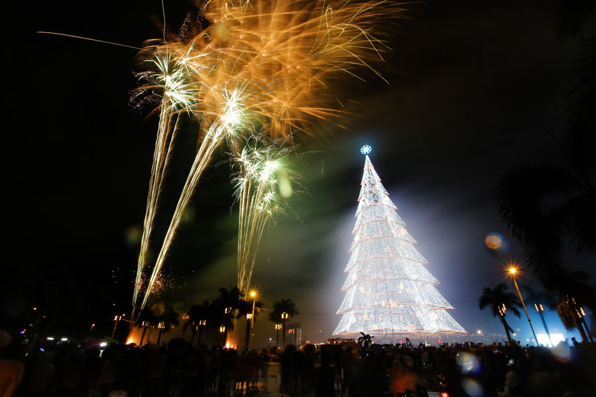 Tagum rings in New Year with P500K pyro-musical display