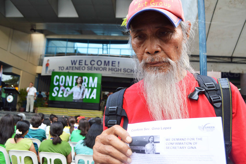 ​Elderly ​forest guard walks 35 km to call for Gina Lopez's confirmation