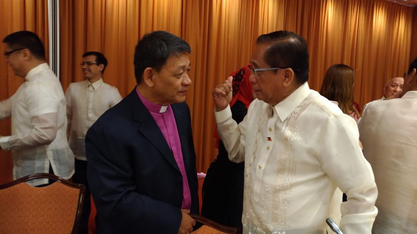 Bishop says it's up to the Duterte government to save peace talks