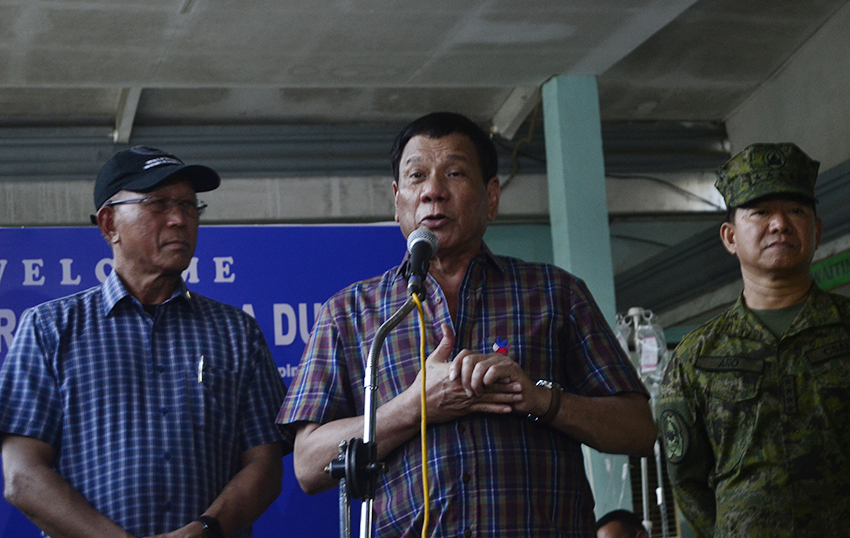 Duterte to Maranao traditional leaders: you should have told troops about Maute group's build up