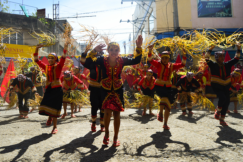 STREET DANCING IN OZAMIZ