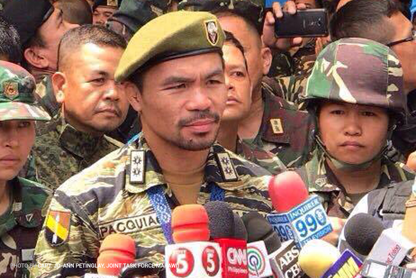 LOOK: Senator Manny Pacquiao visits government troops in Marawi City