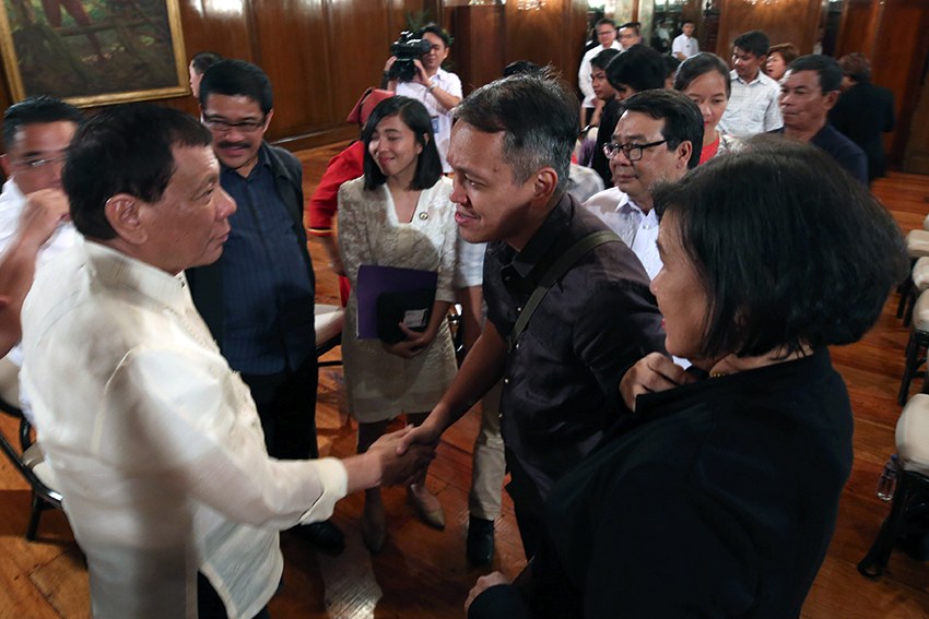 Bayan tells Duterte: Got problem with NPA? Resume peace talks