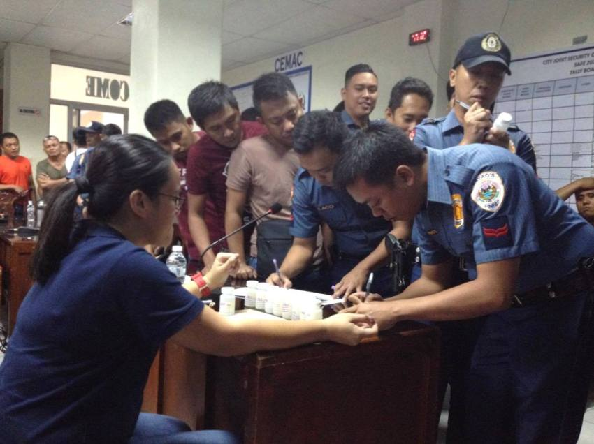 362 Davao City  police undergo surprise drug test