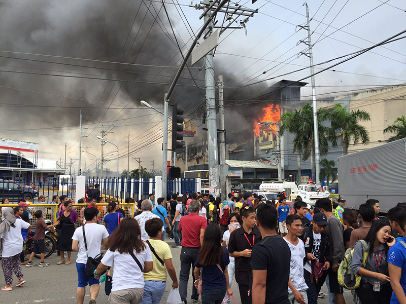 Fire breaks out in Davao City mall, over 10 missing