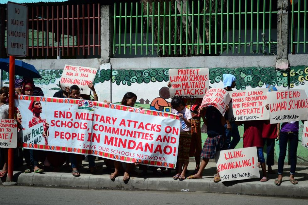 Lumad protest against Briones
