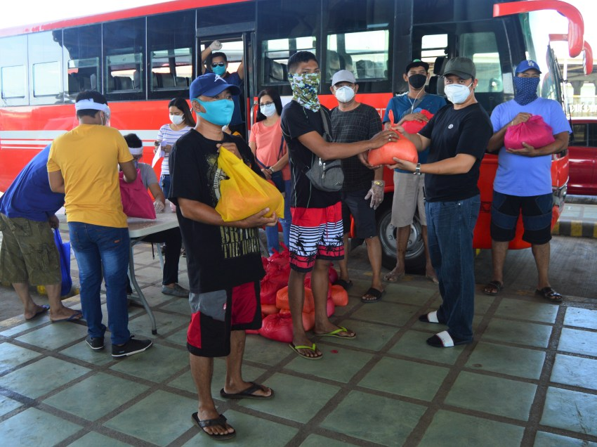 Bus firm resumes operation to help medical frontliners