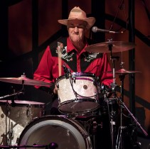 Master drummer Pete Shit (Rock & Roll Hall-of-Famer Pete Thomas) - Sings Like Hell 1/21/17 the Lobero Theatre