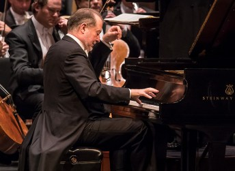 American pianist Garrik Ohlsson at the piano with the ST. Petersburg Symphony Orchestra - CAMA Santa Barbara 3/14/17 The Granada Theatre