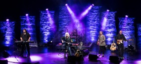 Arlo Guthrie and his band at the Lobero Theatre 4/11/17