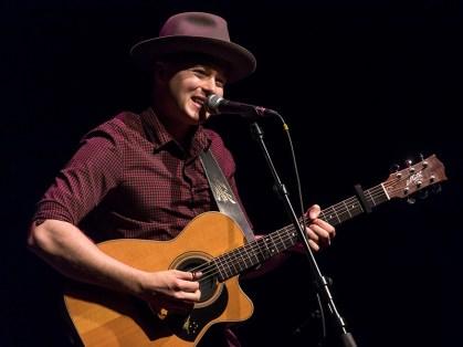 Joe Robinson @ Sings Like Hell 5/7/17 The Lobero Theatre
