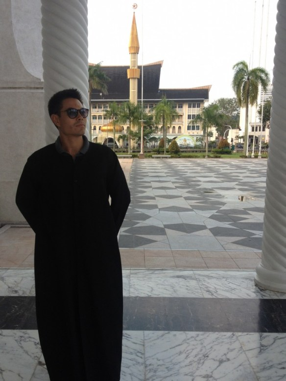 Sultan-Omar-Ali-Saifuddin-Mosque-matrix
