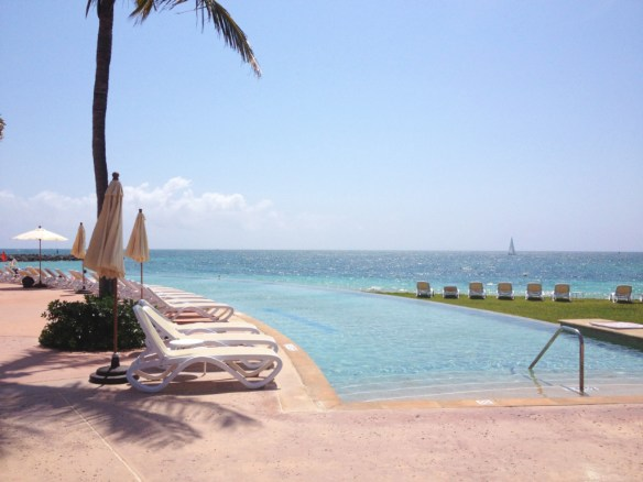 The infinity pool... can you distinguish the pool from the sea?