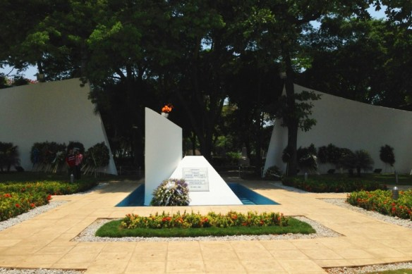 The tomb of FSLN founder, Carlos Fonseca, honored by an eternal flame.