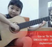 Những lý do nên cho trẻ học Guitar