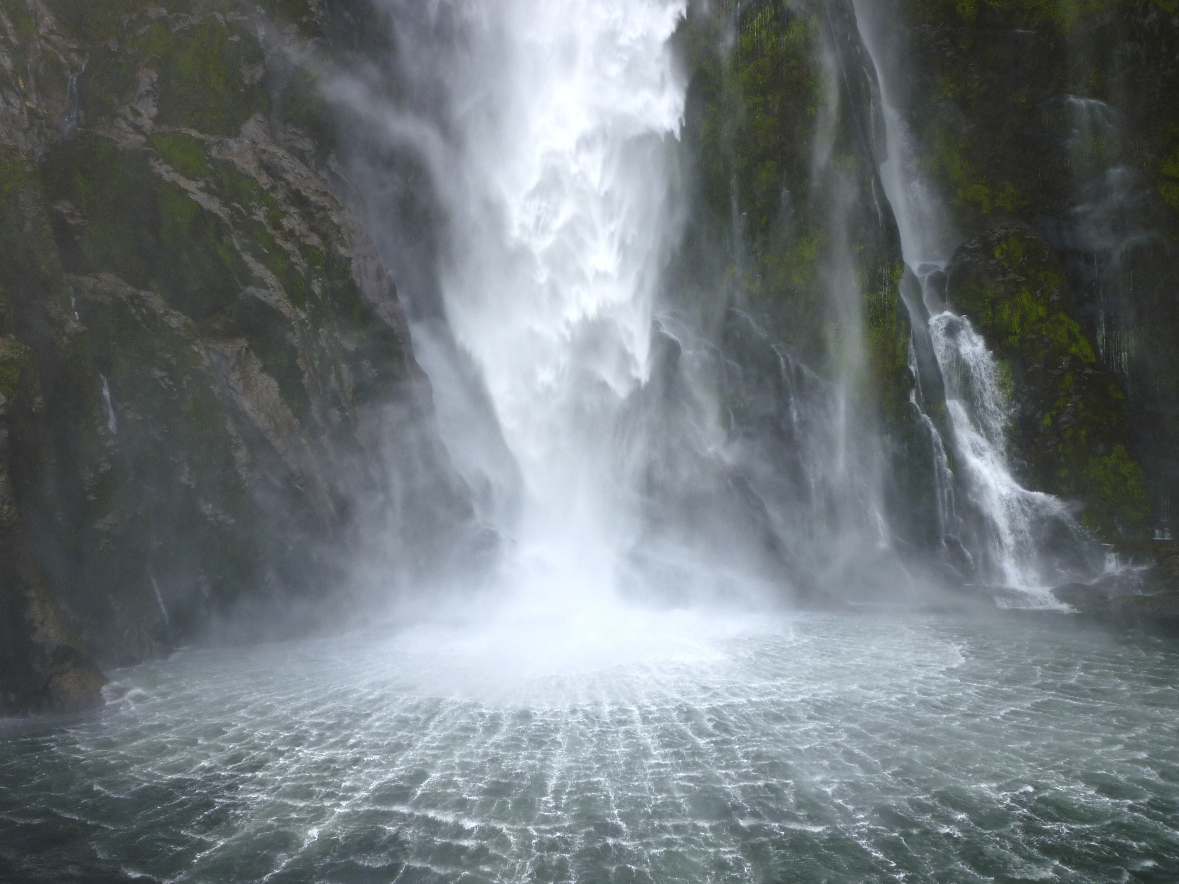 Falling Water Hd Wallpaper Waterfalls Dayna S Blog