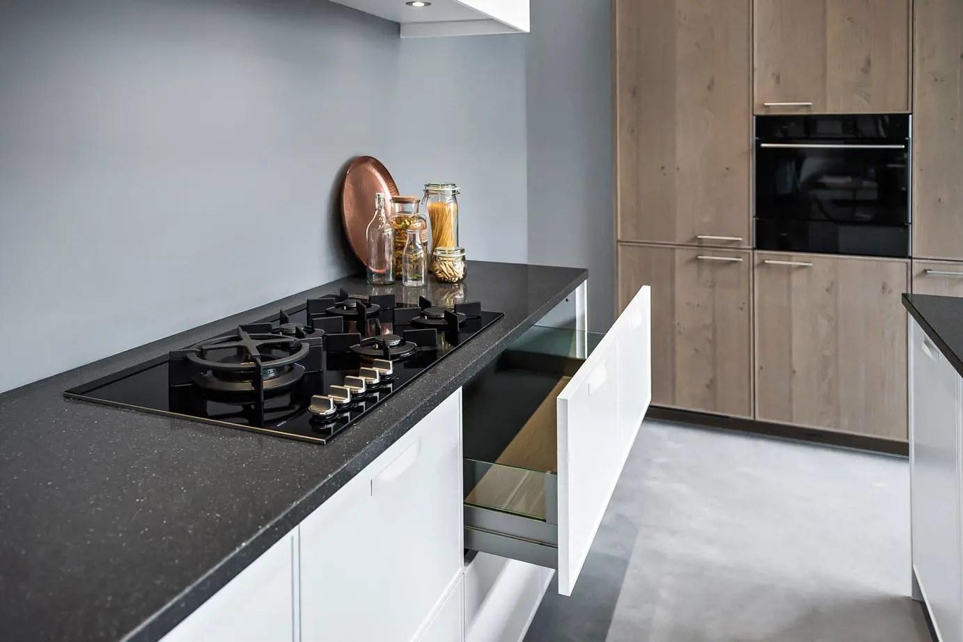 Handgrepen keuken modern moderne keuken met strakke handgrepen