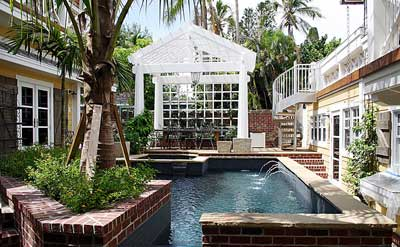 beach cottage pool