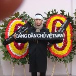 Nguyễn Tiến Trung tại tang lễ cụ Hoàng Minh Chính