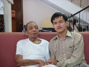 Nguyễn Tiến Trung cùng cụ Nguyễn Hộ