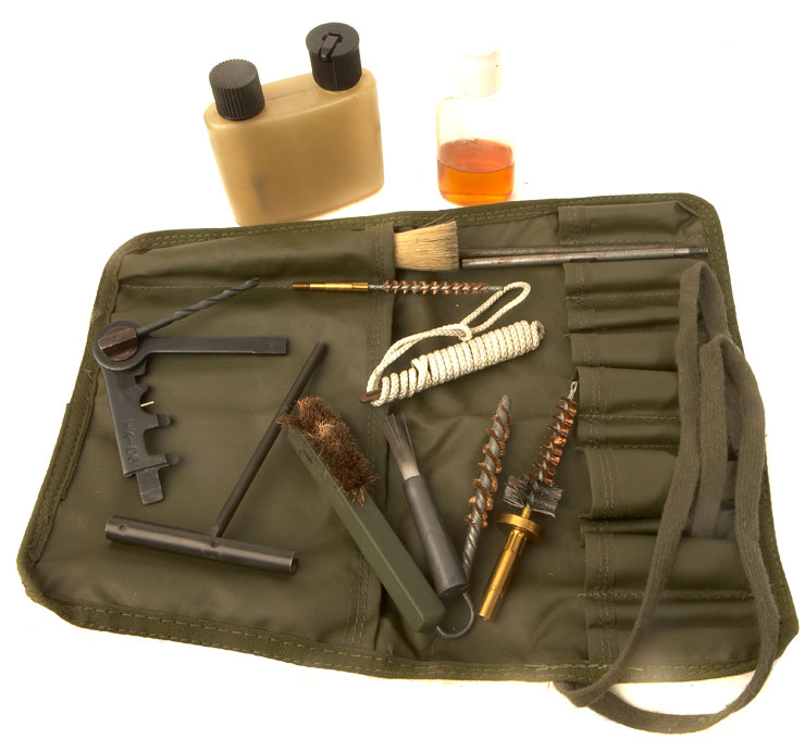 Rifles Calibre 22 British Military Sa80 Cleaning Kit In Canvas Pouch - Militaria