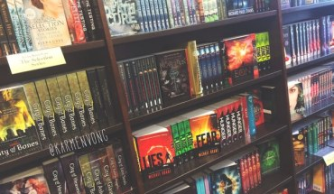 barnes-and-noble-book-shop-books-bookshelf-favim-com-2907532