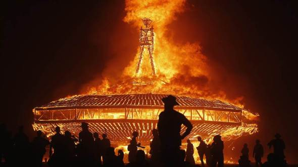 a_lss_burningman_150828.nbcnews-ux-1080-600