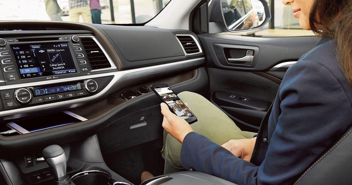2018 Toyota Highlander for Sale near Mishawaka, IN - Heart City Toyota