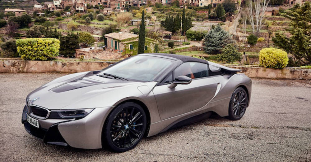 The BMW i8 is the Hybrid that Bucks the Trend