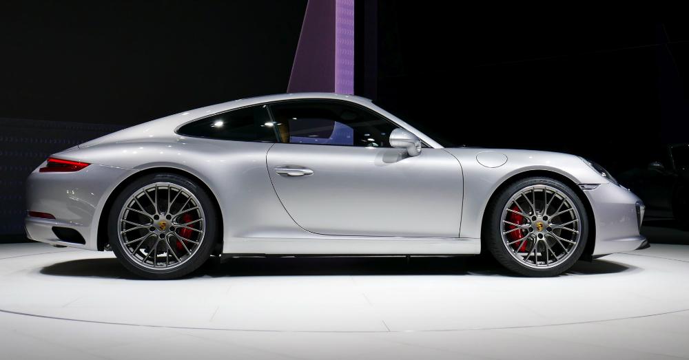 05.09.16 - 2017 Porsche 911