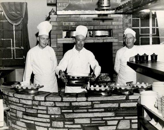 Clearman's Steak 'n Stein chefs, 1946