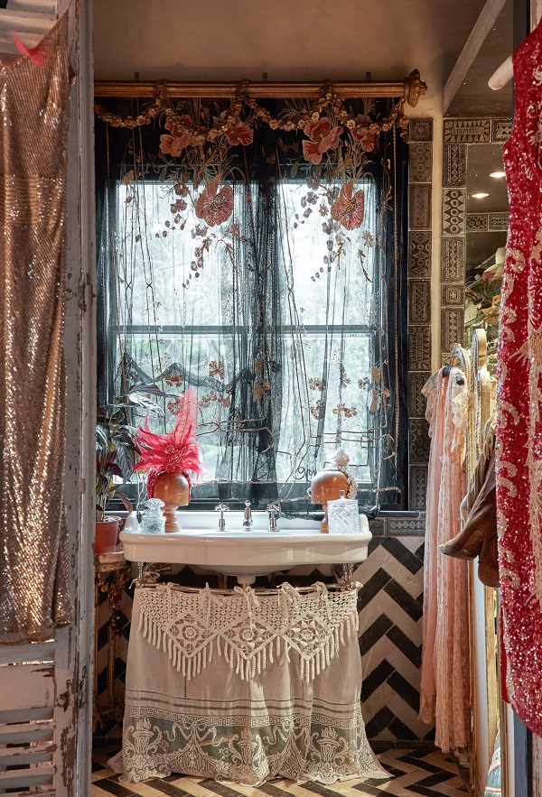 Black Glitter Wallpaper Bedroom The Boho Glam Apartment Of Sera Hersham Loftus Dear Designer